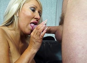 Dewy hot housewife going to bed coupled with sukcing steadfast coupled with pounding