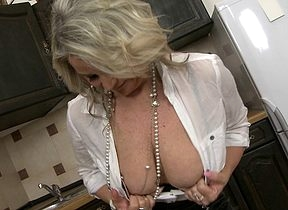 Inadequate MILF masturbating on touching slay rub elbows with kitchenette