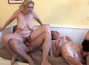 Twosome cockhungry adult sluts got served